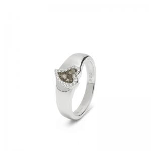 Zilveren ring met hart en zirkonia